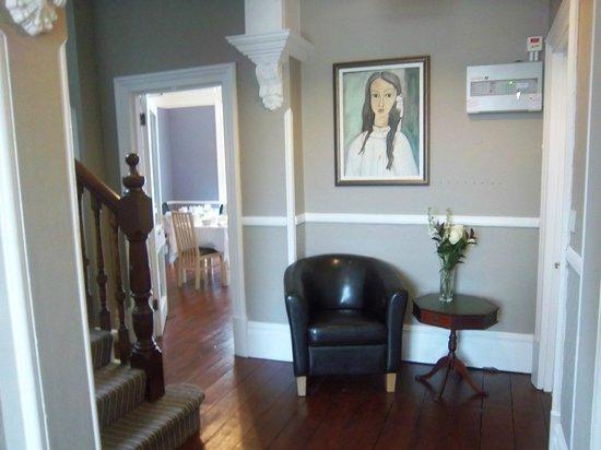 Atholl Court Guest House: Hallway