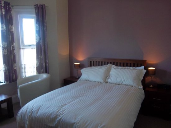 Atholl Court Guest House: Room 8