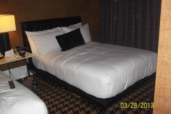 Ameritania Hotel : Room