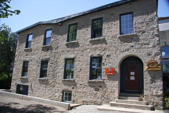 Millcroft Inn Restaurant: Inn main building