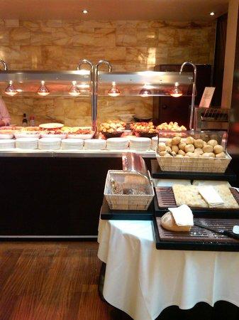 Enterprise Hotel: Zona Plancha, desayuno inglés y pan/bollería