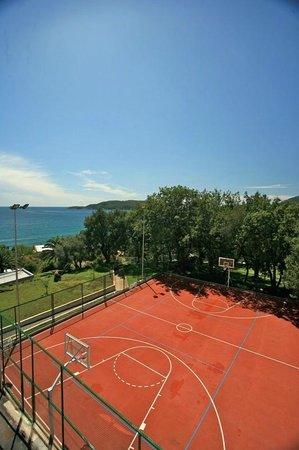 Queen of Montenegro: Playground