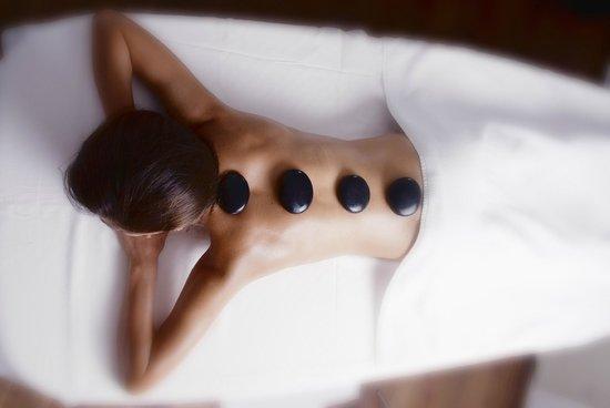 Queen of Montenegro: Hot stone massage
