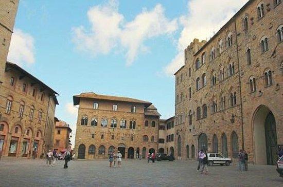 Residence L'Etrusca: Piazza dei Priori