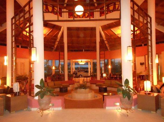 Memories Flamenco Beach Resort : lobby