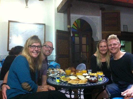 Dar el Yasmine: Breakfast with friends