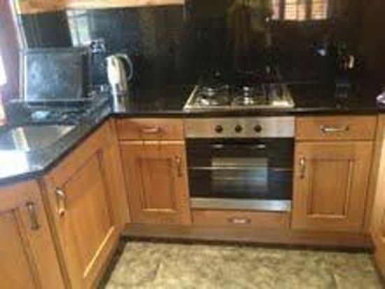 Felmoor Park: Kitchen