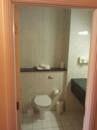 Shannon Springs Hotel : Immaculate Toilets - Shannon Court Hotel