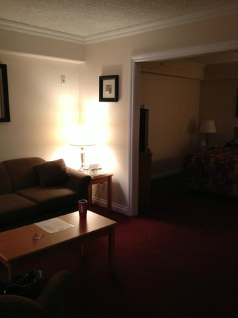 Howard Johnson Suites Victoria: Living Room and Bedroom