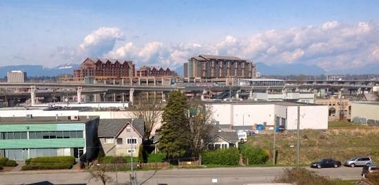 Hampton Inn by Hilton Vancouver Airport : view from the hotel..