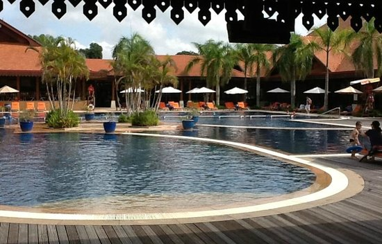 Club Med Cherating Beach: Main pool, clean and nice but noisy