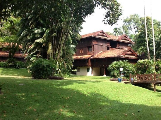 Club Med Cherating Beach: Bungalows in the jungle