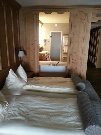ERMITAGE Wellness- & Spa-Hotel: Saane Suite