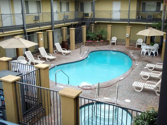 Anaheim Del Sol Inn: Here are the *resort facilities*