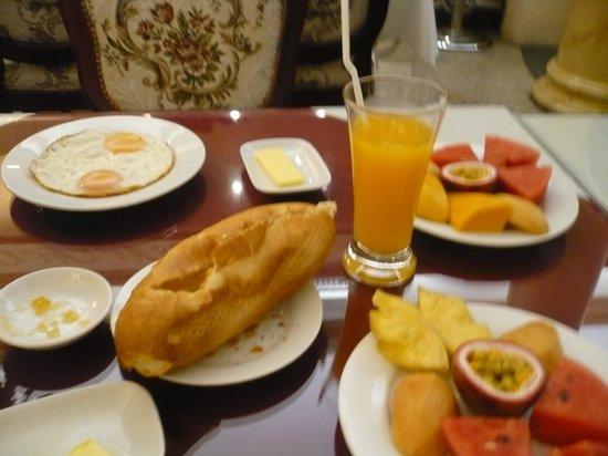 ذا سبرنج هوتل: Breakfast at Spring Hotel