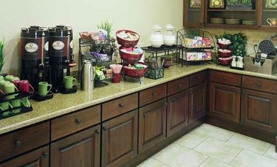 Homewood Suites by Hilton Houston West-Energy Corridor: Free Breakfast Buffet with Waffle Station