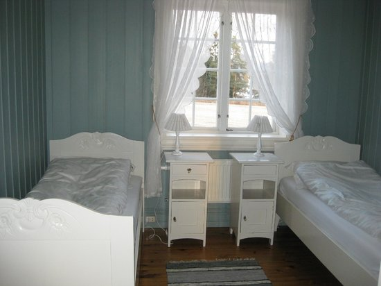 Stokke Nedre: One of our guest rooms