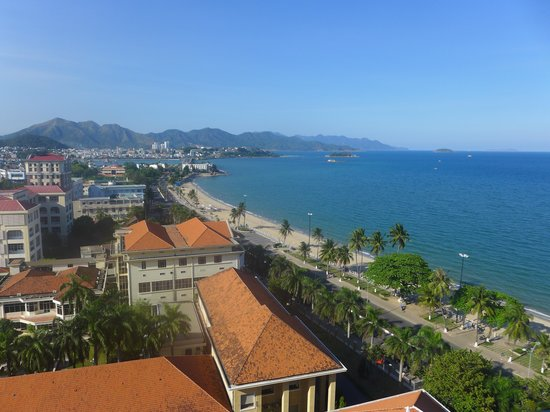 Sunrise Nha Trang Beach Hotel & Spa: View from top hotel bar