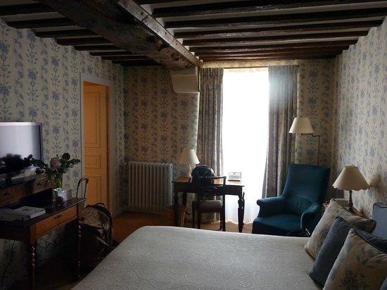 Le Chateau d'Audrieu : chambre