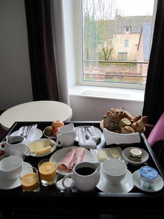 La Ferme de Bourran: Breakfast