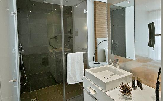 Legere Hotel Luxembourg: bathroom
