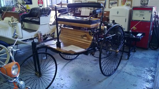 Hemmings Motor News Filling Station: A real oldie