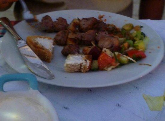 Tasmahzen Restaurant: Chicken shish