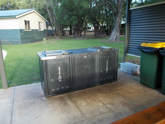 RAC Busselton Holiday Park: BBQ area