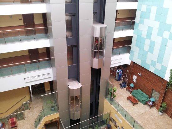 Senator Granada Spa Hotel: vista de acensores