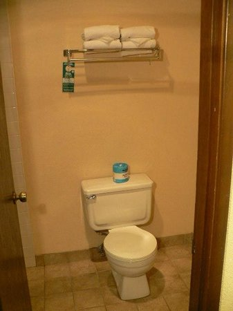 GuestHouse Inn & Suites Eugene / Springfield: Double Queen Room