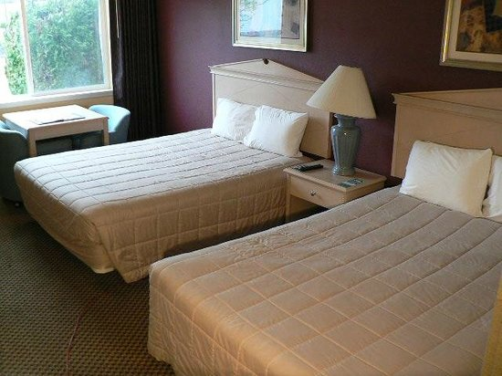 GuestHouse Inn & Suites Eugene / Springfield: Double QueenRoom