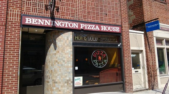 ‪Bennington Pizza House‬