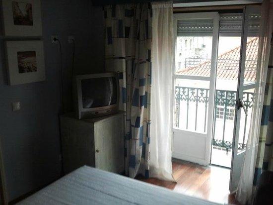 Hotel Lisboa Tejo: Doppelzimmer Straßenseite