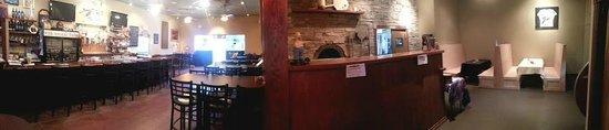 8th Avenue Pub: wood fired pizza