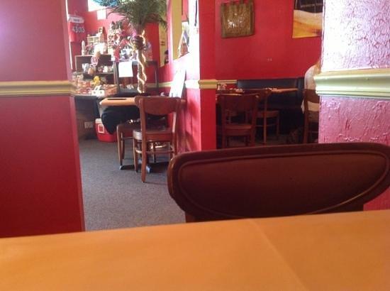 Eat at Thai: Inside