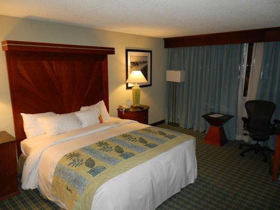 HYATT house Fort Lauderdale Airport & Cruise Port: Rooms were spacious and comfortable