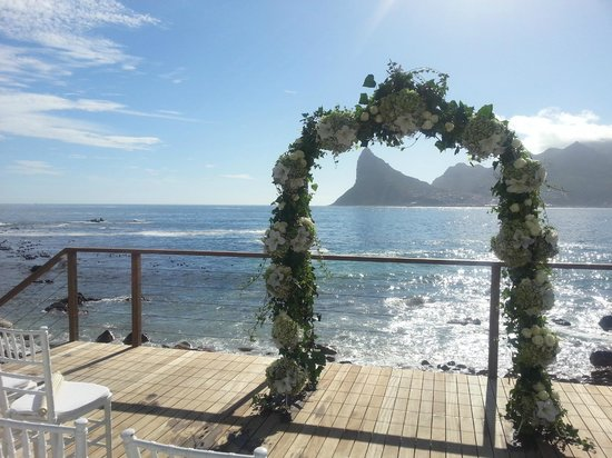 Tintswalo Atlantic: Wedding by the pool