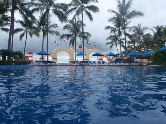 Barcelo Puerto Vallarta: View from pool bar