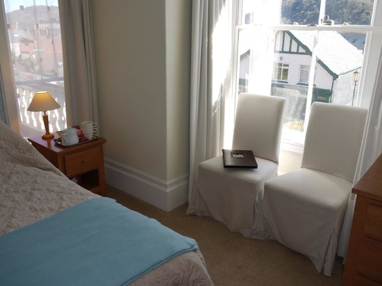 Gable Lodge Guest House: Room 5 has adjoining bunk room to make a large family room