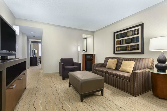 Embassy Suites by Hilton Hotel Santa Clara: Living Area