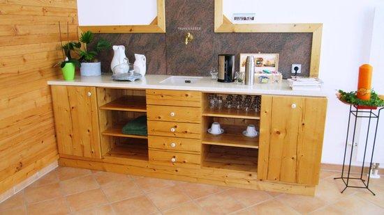 Landhotel Spreitzhofer : Teeküche im Wellnessbereich