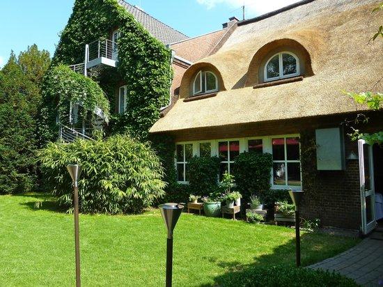 Restaurant Landhaus Flottbek: Landhaus Garten