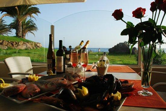 Restaurante Manantial de la Caleta: fotos terrazas