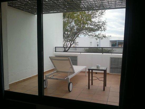 Hotel Cala Chica: Terraza habitación