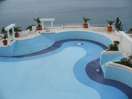 Korumar Hotel: the seaside pool