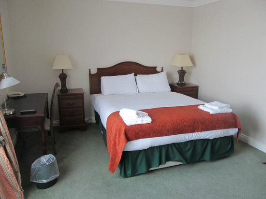 Travelodge Dublin City Centre, Stephens Green Hotel: Large room, comfortable bed