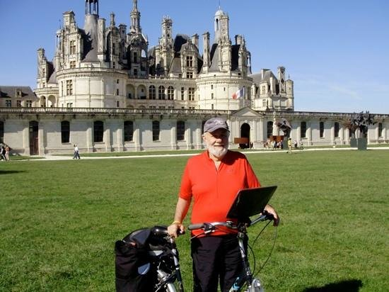 Office de Tourisme de Blois Chambord : Me and my bike at stunning CHAMBORD CHATEAU