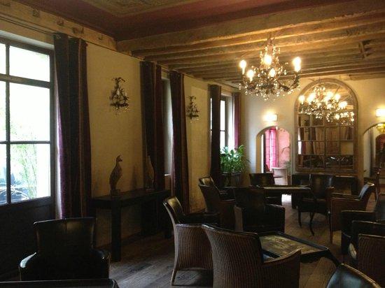 Hotel Relais Monceau: Zonas comunes (salón derecho)
