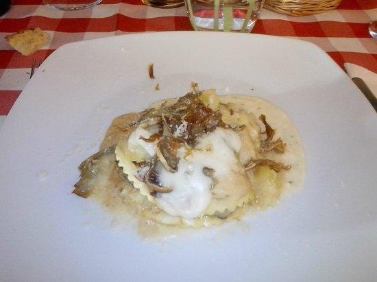 Agriturismo Il Corbezzolo: Lasagnette con carciofi, baccalà e formaggio di fossa