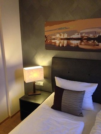 Wyndham Duisburger Hof: nice room